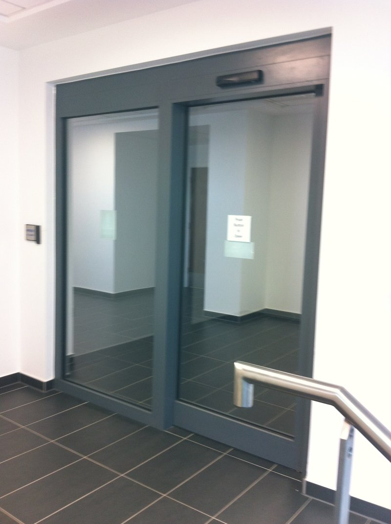 Automatic Fire Doors : Minute fire rated automatic door england united kingdom